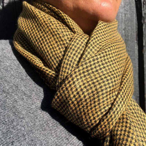 Ternet cashmere tørklæde