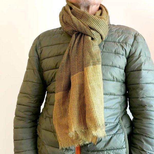 Ternet cashmere tørklæde - gul