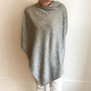 Cashmere Poncho - lys grå