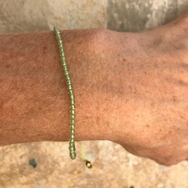 Armbånd med sten, elegant, lysegrøn